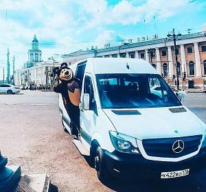 аренда минивэна с водителем и медведем в Петербурге